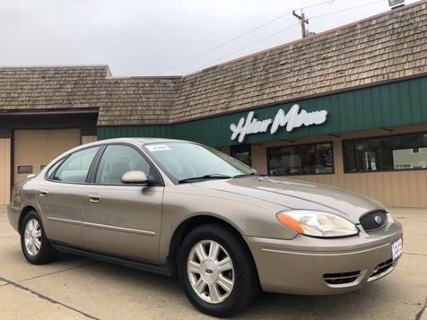 2007 Ford Taurus SEL LOW MILES, MINT in Dickinson, ND