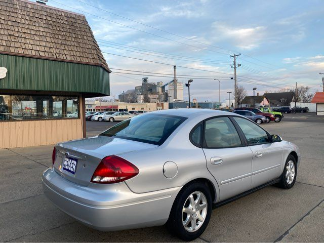 2007 Ford Taurus SEL in Dickinson, ND 58601