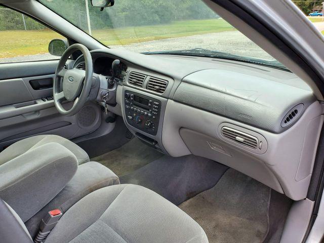 2007 Ford Taurus SE in Hope Mills, NC 28348