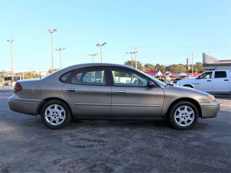 2007 Ford Taurus SE  in Maryville, TN