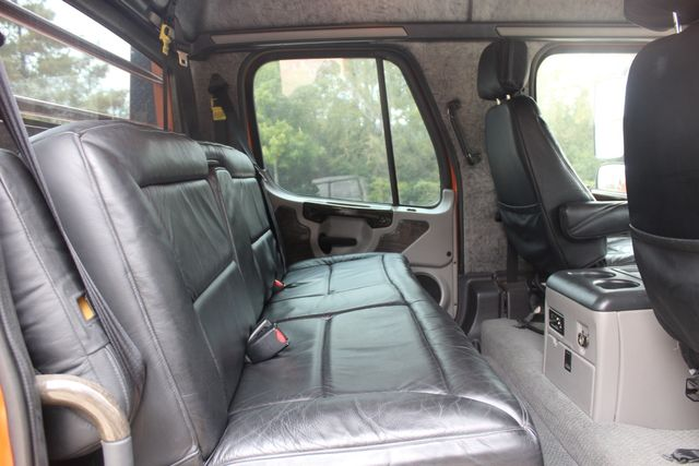 2007 Freightliner M2 106 SportChassis RHA114 Luxury Hauler CONROE, TX 17