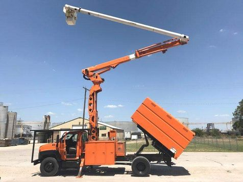 2007 GMC C7500 ELEVATOR 75FT ALTEC PONY MOTOR FORESTRY BUCKET TRUCK in Fort Worth, TX