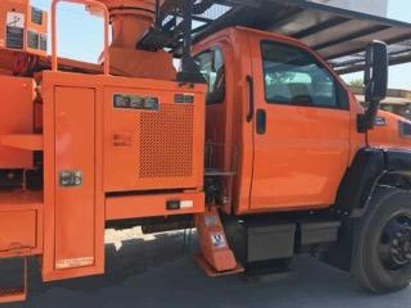 2007 GMC C7500 ELEVATOR 75FT ALTEC PONY MOTOR FORESTRY BUCKET TRUCK  city TX  North Texas Equipment  in Fort Worth, TX
