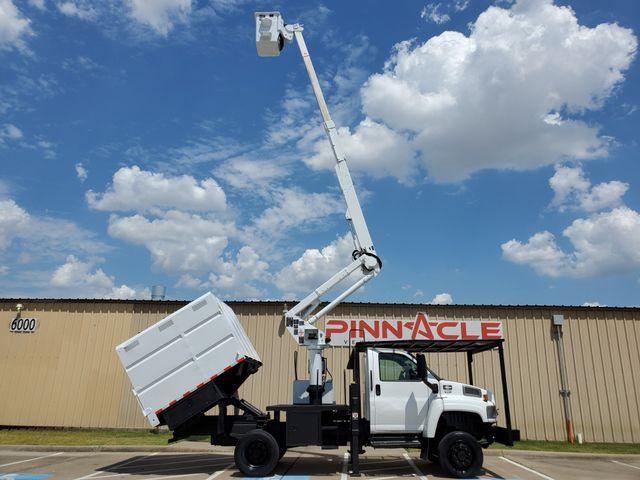 Bucket Trucks | Pinnacle Trucks | Irving Equipment Dealership