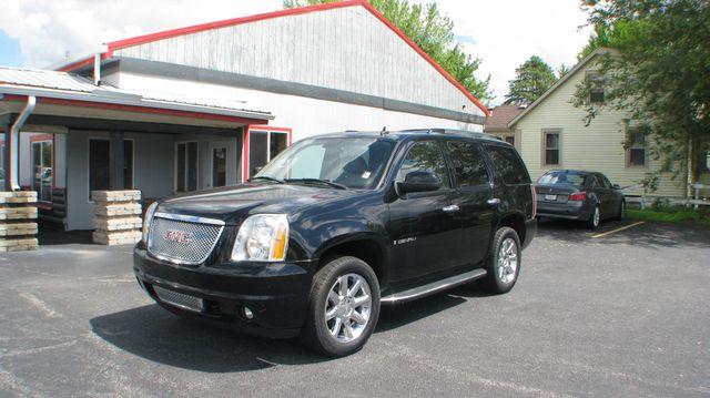 2007 GMC Yukon Denali 4d SUV 4WD Denali