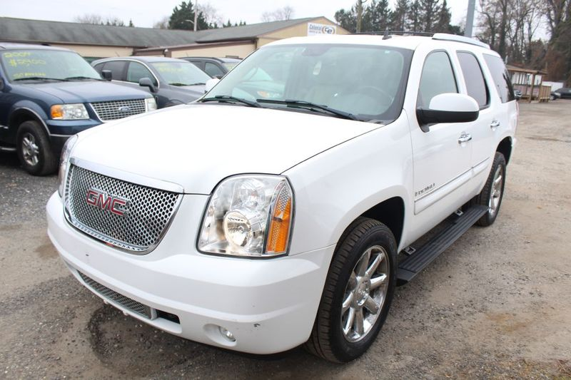 2007 GMC Yukon Denali DENALI  city MD  South County Public Auto Auction  in Harwood, MD