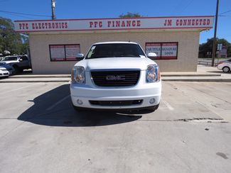 2007 GMC Yukon XL SLT Devine, Texas 3