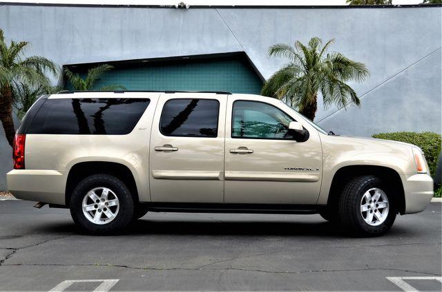 2007 GMC Yukon XL SLT in Reseda, CA, CA 91335