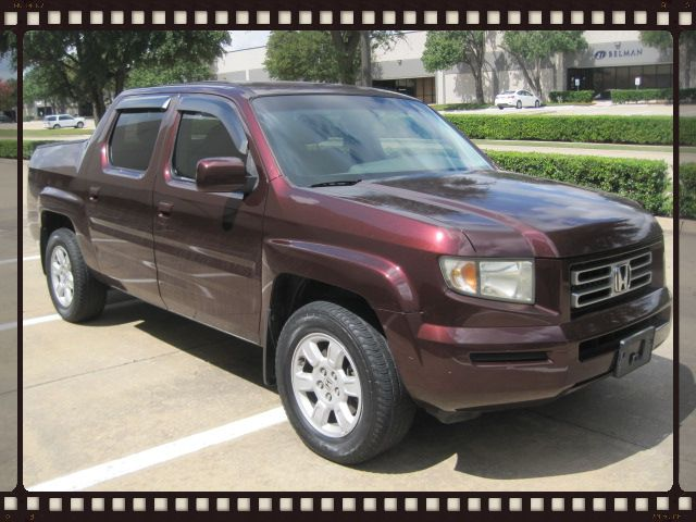 2007 Honda Ridgeline RTS, Crew Cab Pick Up. 1 Owner, . Clean Carfax, Low Miles.