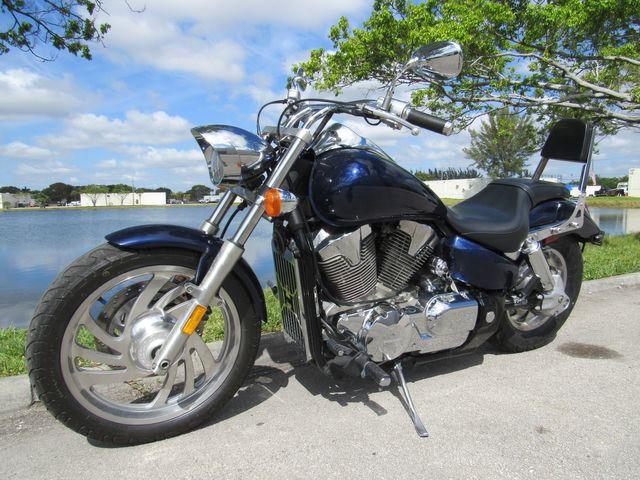 2007 Honda VTX 1300 C in Dania Beach , Florida 33004