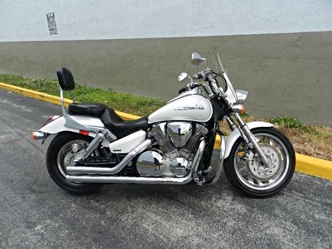 2007 Honda VTX1300C VTX 1300 VTX1300 C LOW MILES! EXTRAS! **WARRANTY! in Hollywood, Florida