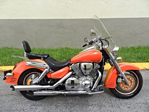 2007 Honda VTX1300R VTX 1300 R CUSTOM PAINT + EXTRAS in Hollywood, Florida