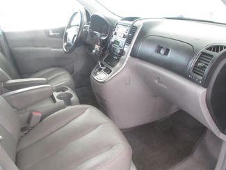 2007 Hyundai Entourage Limited Gardena, California 7