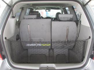 2007 Hyundai Entourage Limited Gardena, California 10