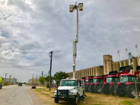 2007 International 4300 BUCKET TRUCK  in Fort Worth, TX