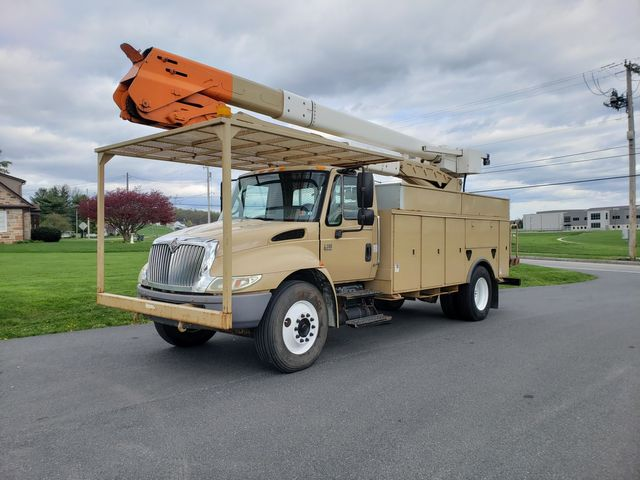 2007 International 4300 BUCKET TRUCK in Ephrata, PA 17522