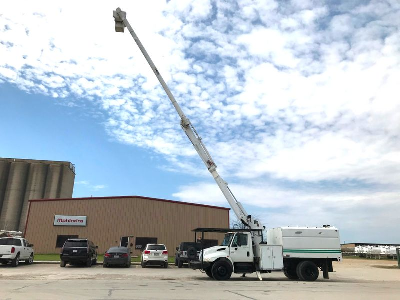 2007 International 4300 FORESTRY BUCKET TRUCK   city TX  North Texas Equipment  in Fort Worth, TX