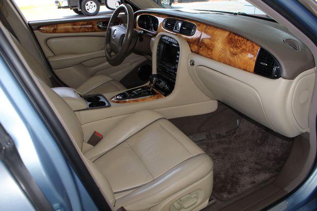 2007 Jaguar XJ XJ8 L RWD - NAVIGATION - SUNROOF! Mooresville , NC 33