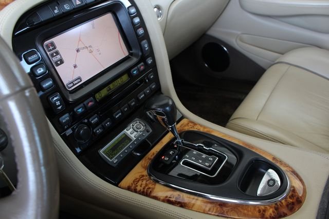 2007 Jaguar XJ XJ8 L RWD - NAVIGATION - SUNROOF! Mooresville , NC 38