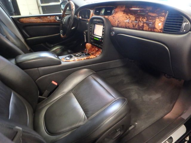2007 Jaguar Xj8l. Stunning AND PROUD, VERY  NICE LIMO EDITION Saint Louis Park, MN 4