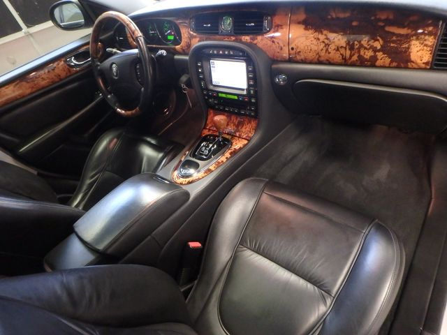 2007 Jaguar Xj8l. Stunning AND PROUD, VERY  NICE LIMO EDITION Saint Louis Park, MN 5