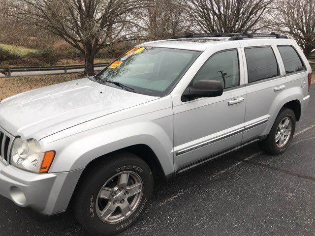 2007 Jeep-Carfax Clean! 4x4! Grand Cherokee-LEATHER! MOONROOF! Laredo-BUY HERE PAY HERE! Knoxville, Tennessee 28