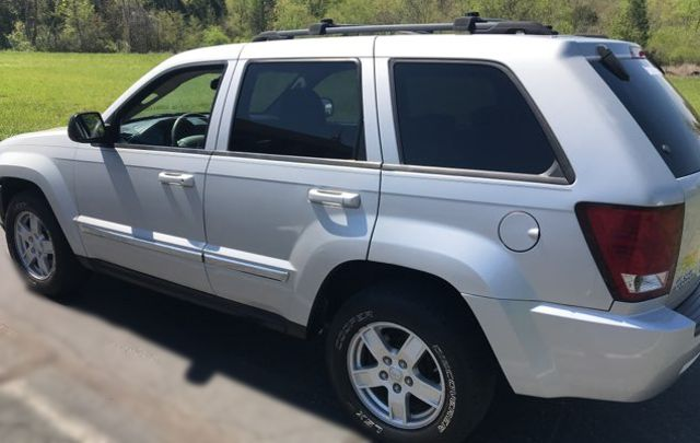 2007 Jeep-Carfax Clean! 4x4! Grand Cherokee-LEATHER! MOONROOF! Laredo-BUY HERE PAY HERE! Knoxville, Tennessee 5