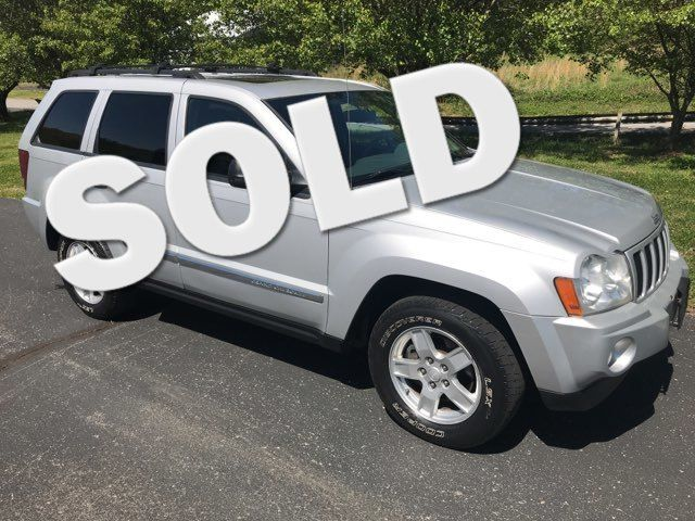 2007 Jeep-Carfax Clean! 4x4! Grand Cherokee-LEATHER! MOONROOF! Laredo-BUY HERE PAY HERE! Knoxville, Tennessee 2