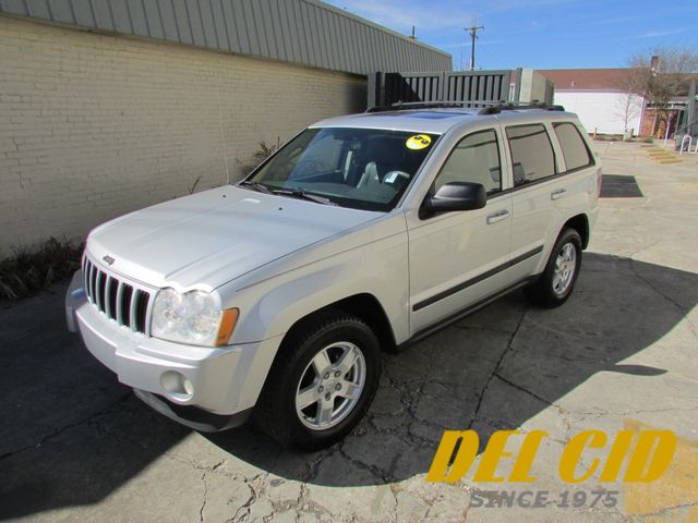 2007 Jeep Grand Cherokee Laredo, Leather! Sunroof! Clean CarFax!