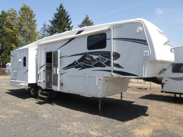2007 Keystone Montana 3075RLF Salem, Oregon