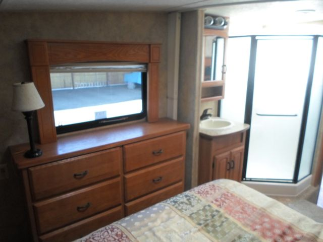 2007 Keystone Montana 3075RLF Salem, Oregon 11