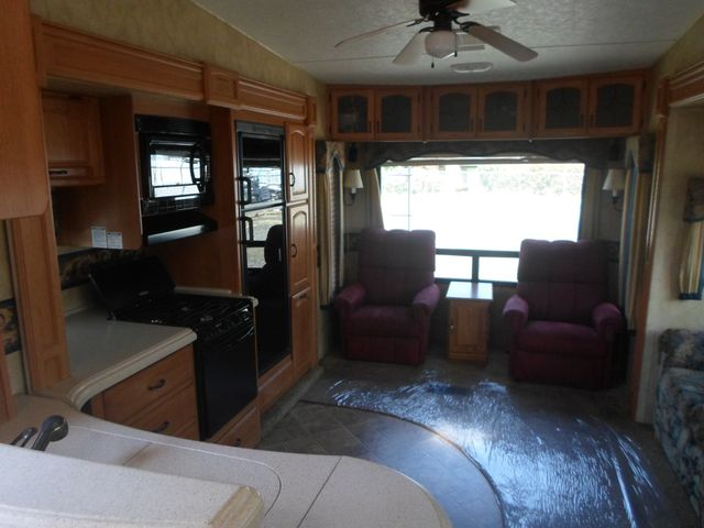 2007 Keystone Montana 3075RLF Salem, Oregon 4
