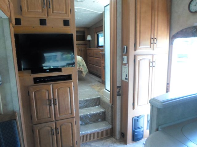 2007 Keystone Montana 3075RLF Salem, Oregon 8