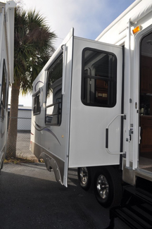 2007 Keystone Mountaineer 336RLT   city Florida  RV World Inc  in Clearwater, Florida