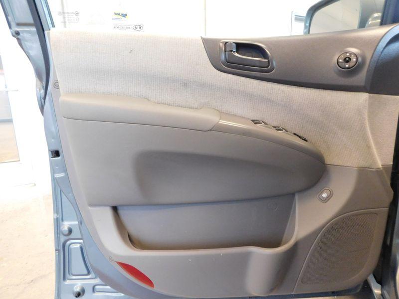 2007 Kia Sedona LX  city TN  Doug Justus Auto Center Inc  in Airport Motor Mile ( Metro Knoxville ), TN