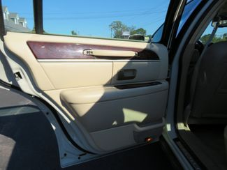 2007 Lincoln Town Car Signature Limited Batesville, Mississippi 28