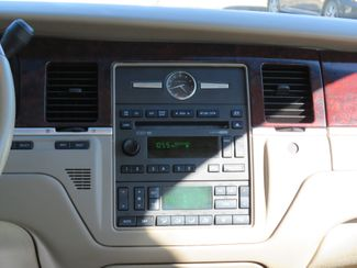 2007 Lincoln Town Car Signature Limited Batesville, Mississippi 24
