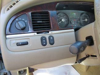 2007 Lincoln Town Car Signature Limited Batesville, Mississippi 21