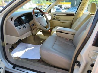 2007 Lincoln Town Car Signature Limited Batesville, Mississippi 19