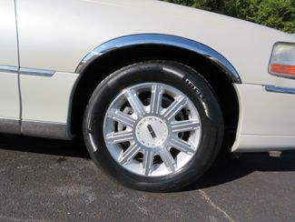 2007 Lincoln Town Car Signature Limited Batesville, Mississippi 15