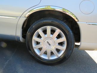 2007 Lincoln Town Car Signature Limited Batesville, Mississippi 17