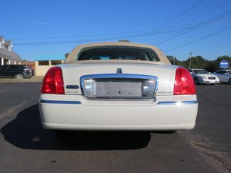 2007 Lincoln Town Car Signature Limited Batesville, Mississippi 9