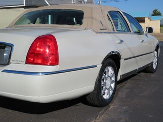 2007 Lincoln Town Car Signature Limited Batesville, Mississippi 11