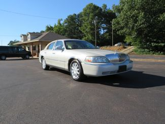 2007 Lincoln Town Car Signature Limited Batesville, Mississippi 2