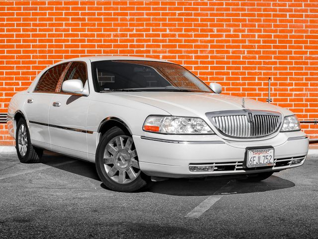 2007 Lincoln Town Car Designer Series Burbank, CA 1