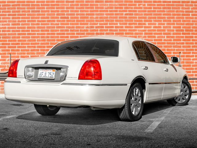 2007 Lincoln Town Car Designer Series Burbank, CA 6