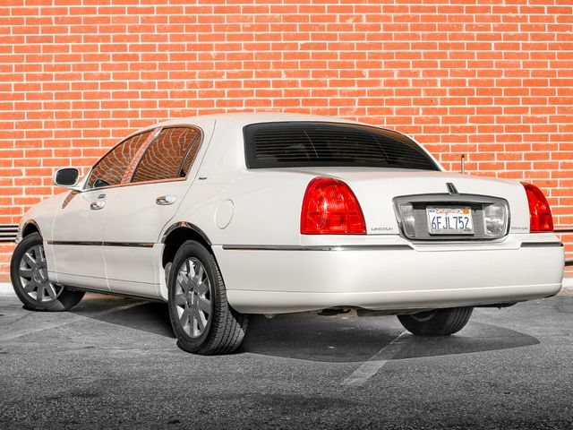 2007 Lincoln Town Car Designer Series Burbank, CA 7