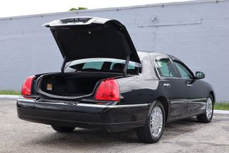 2007 Lincoln Town Car Signature Limited Hollywood, Florida 29