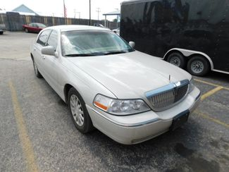 2007 Lincoln Town Car Signature  city TX  Randy Adams Inc  in New Braunfels, TX