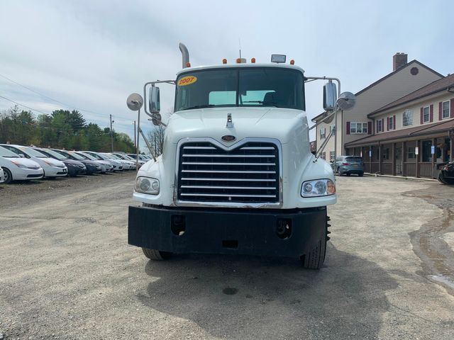 2007 Mack 600 Hoosick Falls, New York 1